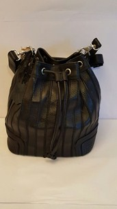 buy the latest Ladies Leather Duffle Bag  Imported online